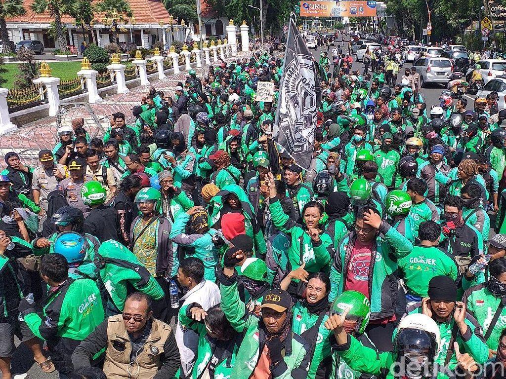 Revisi Aturan Tarif Ojol Masih Dikaji, Driver Siap Demo Kalau Turun