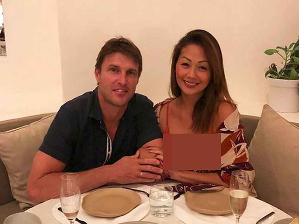 Suami Indah Kalalo Disebut Mirip Tom Cruise, Setuju?