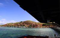 Cantiknya Papagarang: Bukit Keramat hingga Laut Jernih Bak Kristal