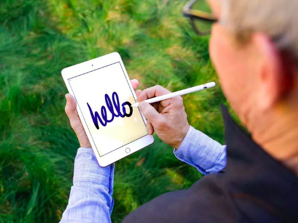 Posisi iPad Mini Bakal Digantikan iPhone Layar Lipat?