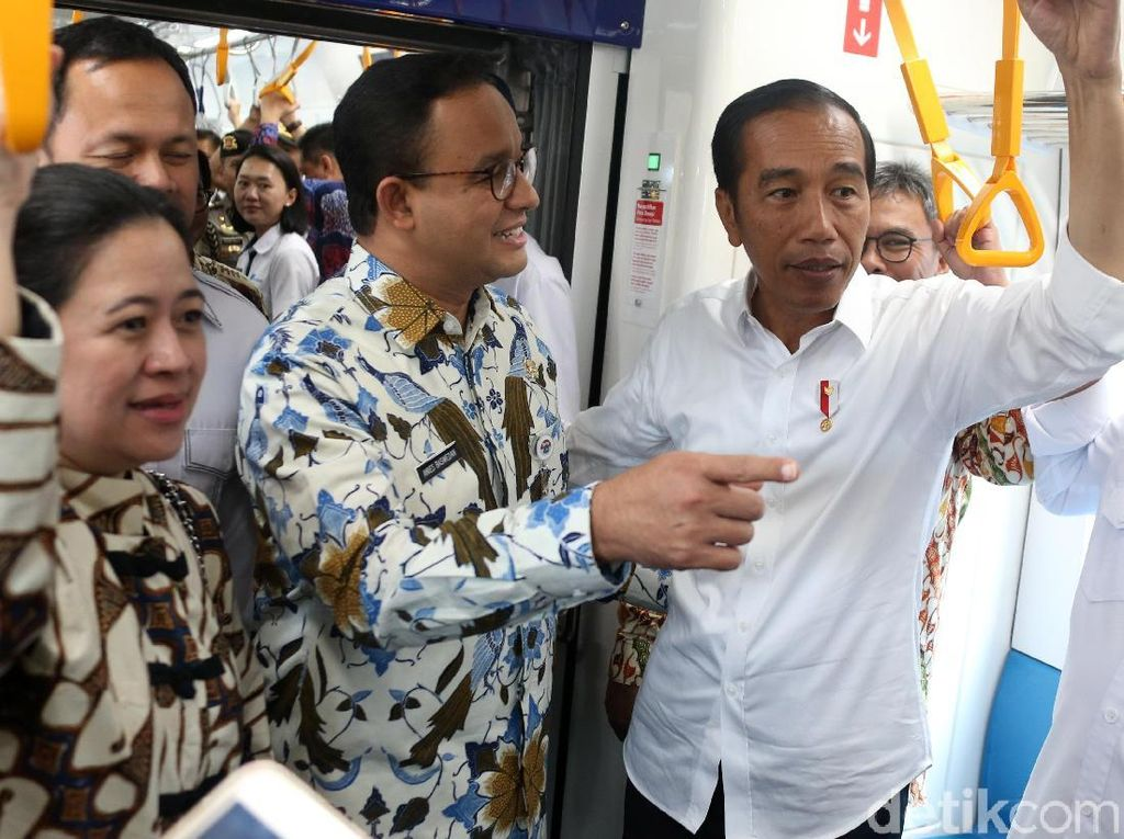 Jajal MRT Jakarta, Jokowi: Kita Terlambat Membangun