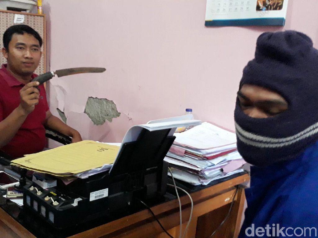 Video: Suami Ngamuk Pergoki Istri Indehoi dengan Pria Lain di Toilet