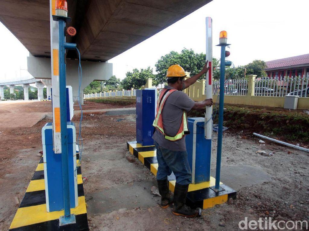 Berapa Tarif Parkir Mobil dan Motor di Stasiun MRT?