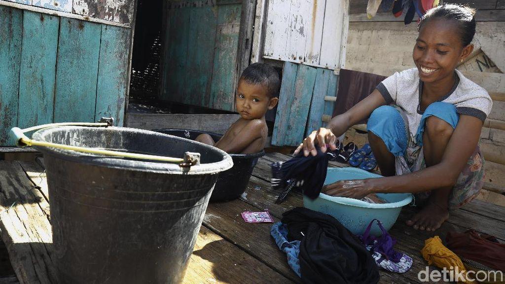 Aktivitas Mencuci Warga Desa Papagaran