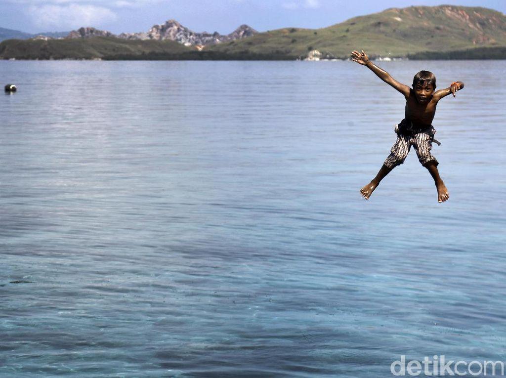 Berenang Ala Anak Pantai Papagarang
