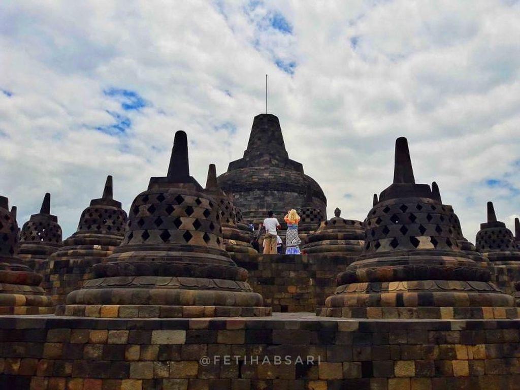 Video Kehebohan Penggemar Nonton Suju dan TVXQ di Borobudur