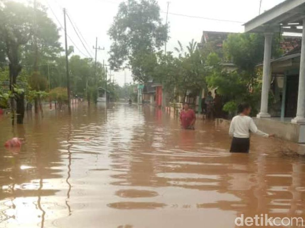 Hujan Deras, Banjir Terjang 13 Desa di 8 Kecamatan Pasuruan