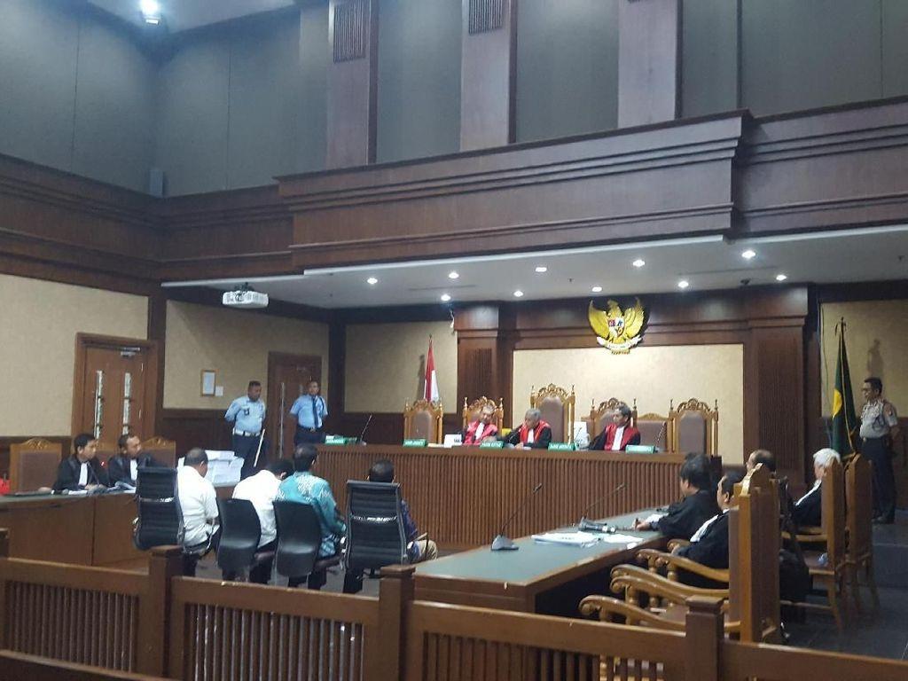 Terima Suap dari Gatot Pujo, 2 Eks Anggota DPRD Dituntut 6 Tahun Bui