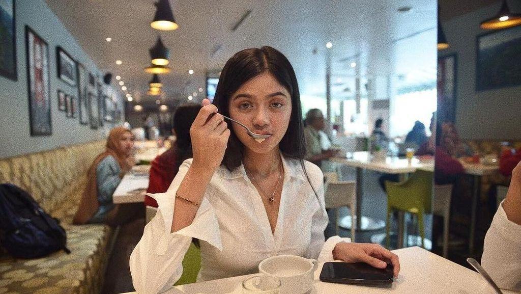 Gaya Kulineran Hits Vieranni, Model Cantik yang Dirayu Vicky Prasetyo