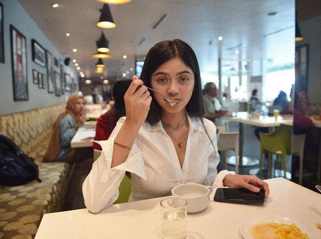 Gaya Kulineran Vieranni Hingga Bule Ketagihan Sambal Peda Petai