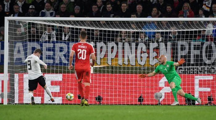Jerman kurang efisien, Jerman pun diimbangi Serbia 1-1 dalam laga persahabatan. (Foto: Fabian Bimmer/Reuters)