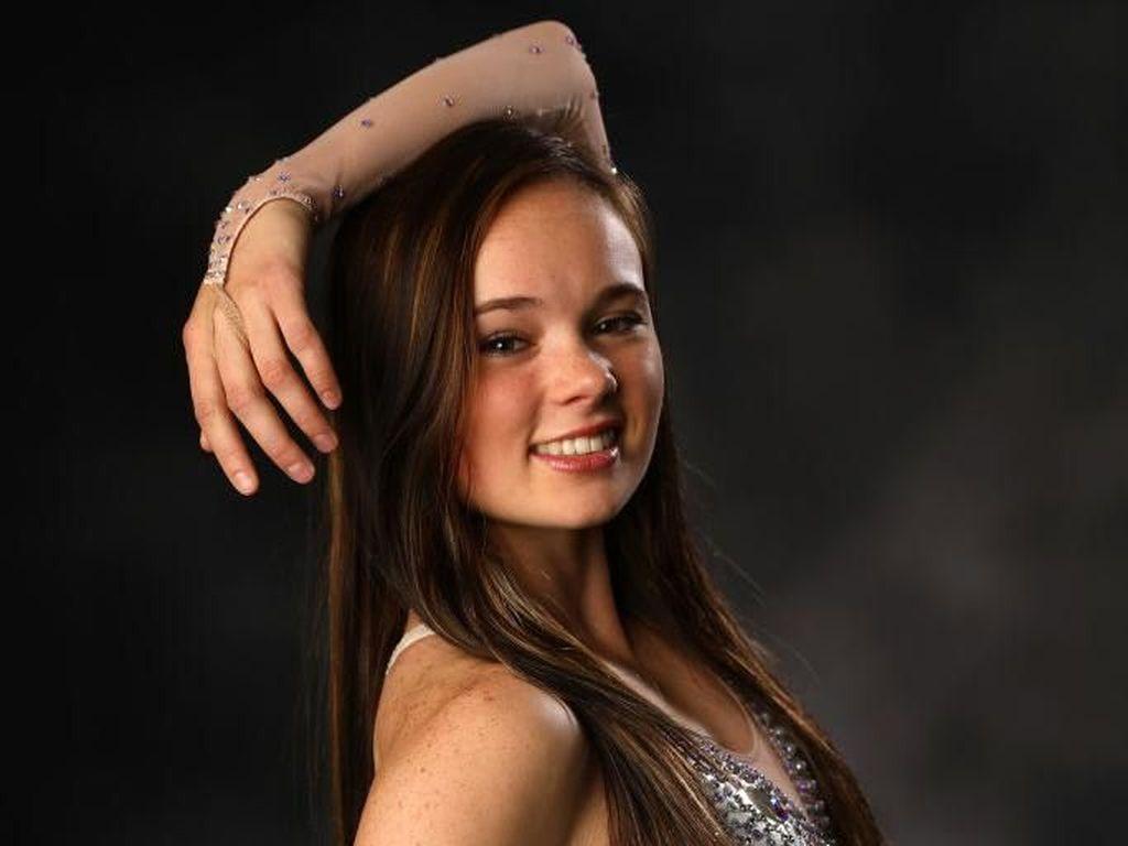 Foto: Skater Cantik yang Terkena Skandal, Dituduh Bikin Betis Rivalnya Sobek
