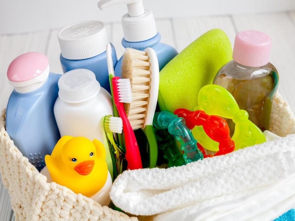Pertimbangan Penting Sebelum Bunda Memilih Produk Kosmetik Bayi