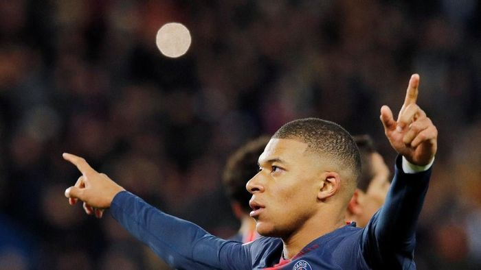 Kylian Mbappe menilai PSG lebih berharap menjuarai Foto: REUTERS/Philippe Wojazer