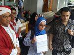 Tak Cuma Dipecat, Nurullita juga Dibully Rekan Kantor karena Hadiri Acara Jokowi