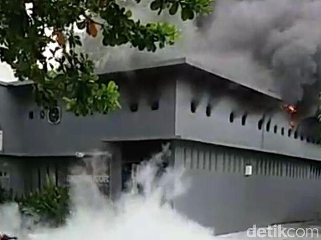 Ruang Insinerator RSUD dr Iskak Tulungagung Terbakar