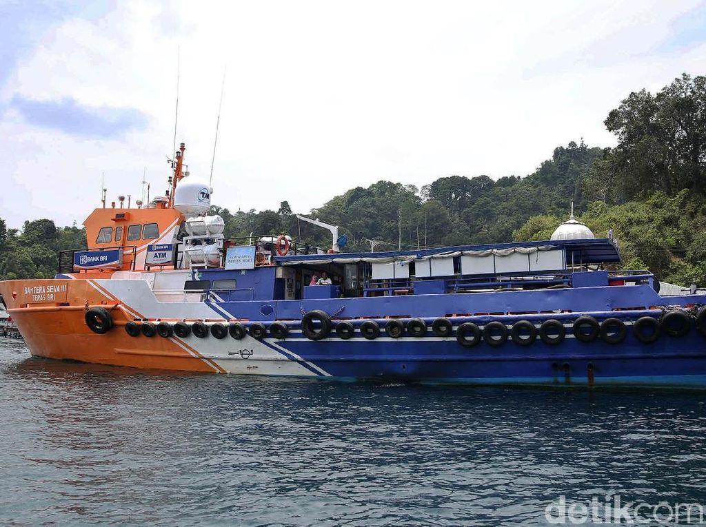 Mengarungi Laut Halmahera Bersama Kapal Bahtera Seva III
