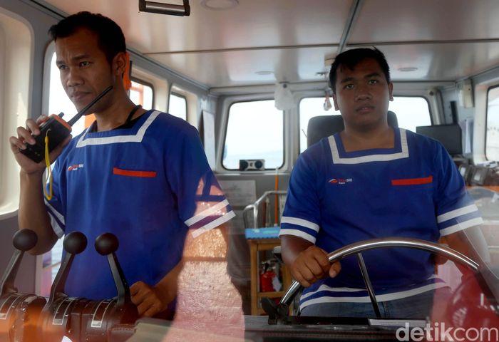 Kapal Bahtera Seva III siap mengarungi kawasan Halmahera di timur nusantara untuk memudahkan masyarakat di sana melakukan transaksi perbankan.