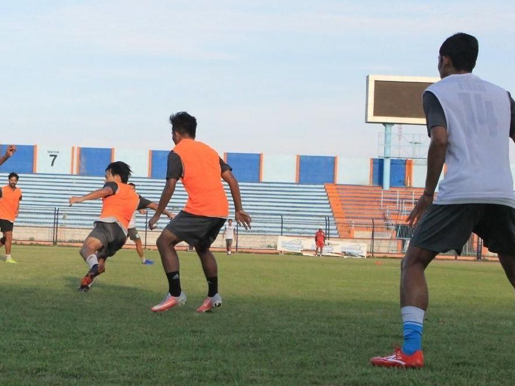 Persela Menjamu Madura United yang Bertabur Bintang, Aji Santoso: Seru!