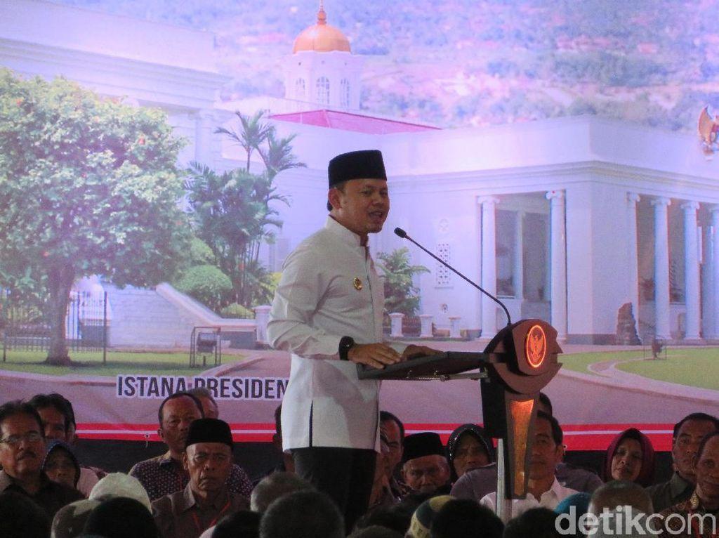 Bima Arya Acungkan Jempol ke Warga Bogor yang Setia Tunggu Jokowi