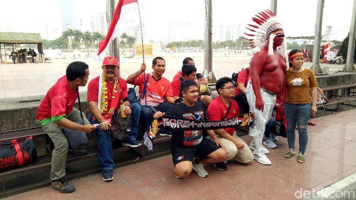 Suporter Indonesia di Hanoi. (Randy Prasatya/detikSport)