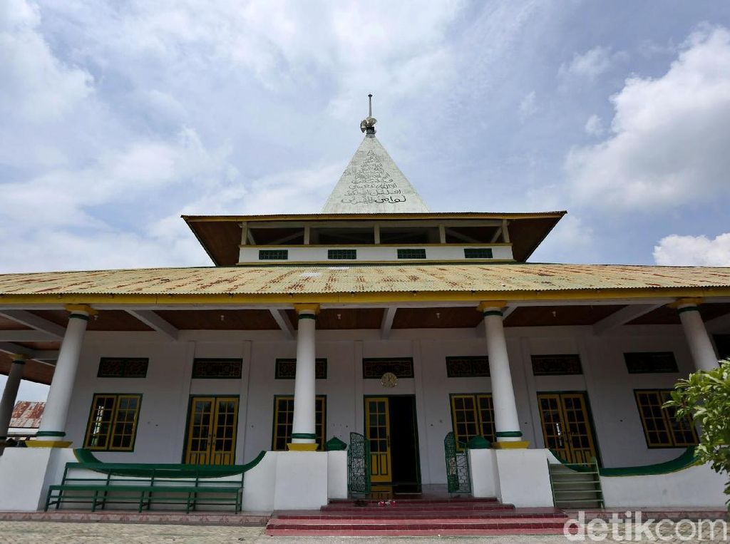 Masjid hingga Gedung Putih, Saksi Hubungan Dagang Bacan-Belanda