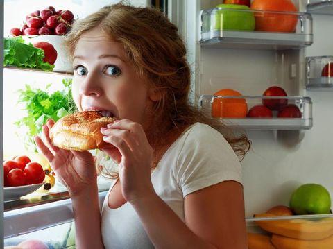 Bunda, Pahami Alasan Stres Bisa Picu Makan Berlebihan