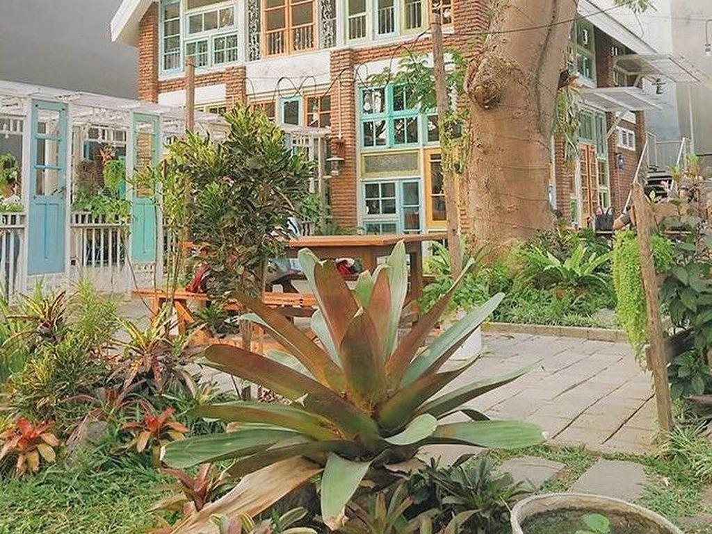 Mengintip Suasana Resto Thailand yang Instagramable di Surabaya