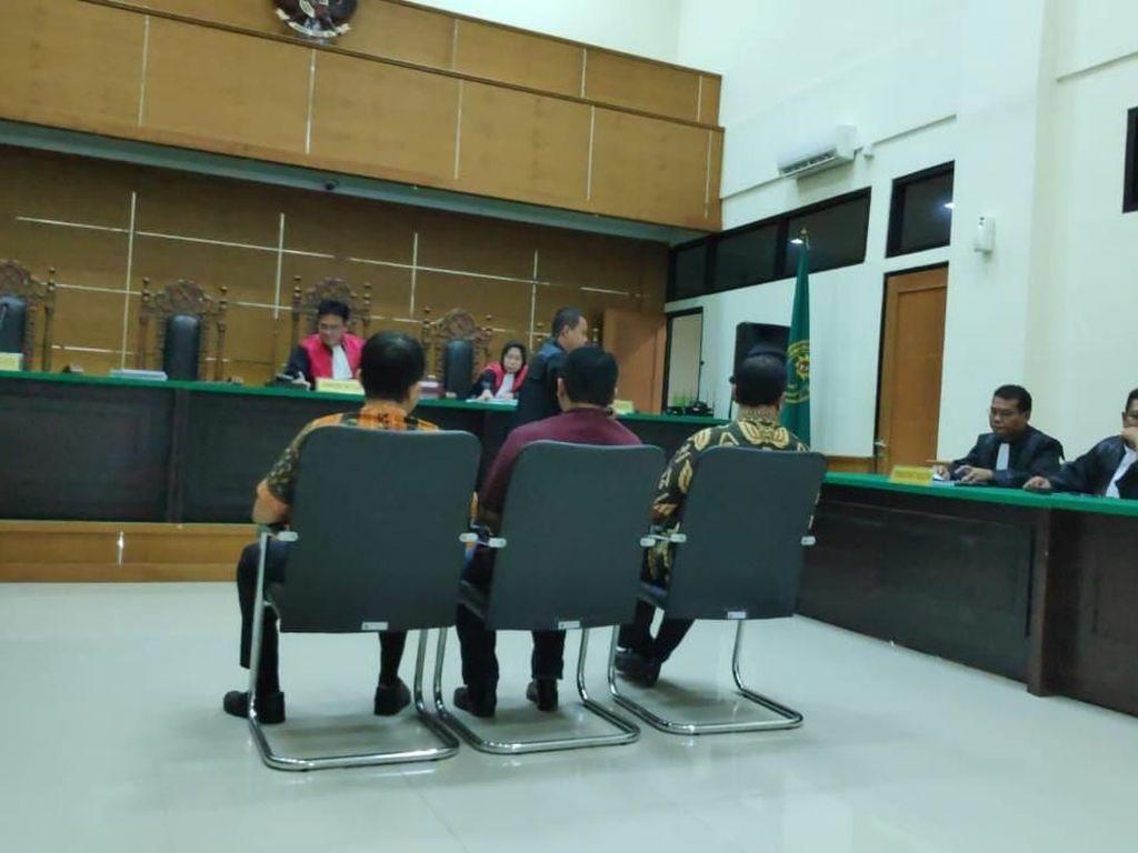 3 Terdakwa Korupsi Genset RSUD Banten Dituntut 1 Tahun 6 Bulan Penjara