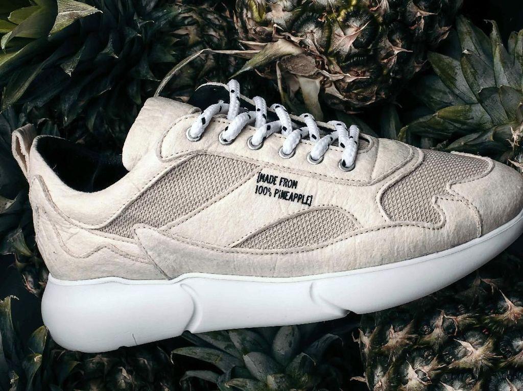 Keren! Sepatu Kulit Kekinian Ini Terbuat dari Buah Nanas