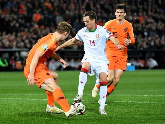 Belanda vs Belarusia melakoni laga Grup C di Stadion De Kuip, Rotterdam, Jumat (22/3/2019) dinihari WIB. Foto: Reuters