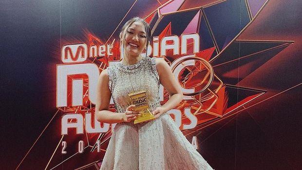 Marion Jola di Mnet Asian Music Awards 2018