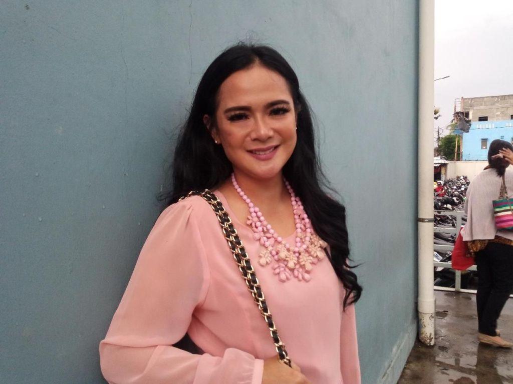 Resmi Cerai, Shezy Idris Tegaskan Tak Ada Perselingkuhan