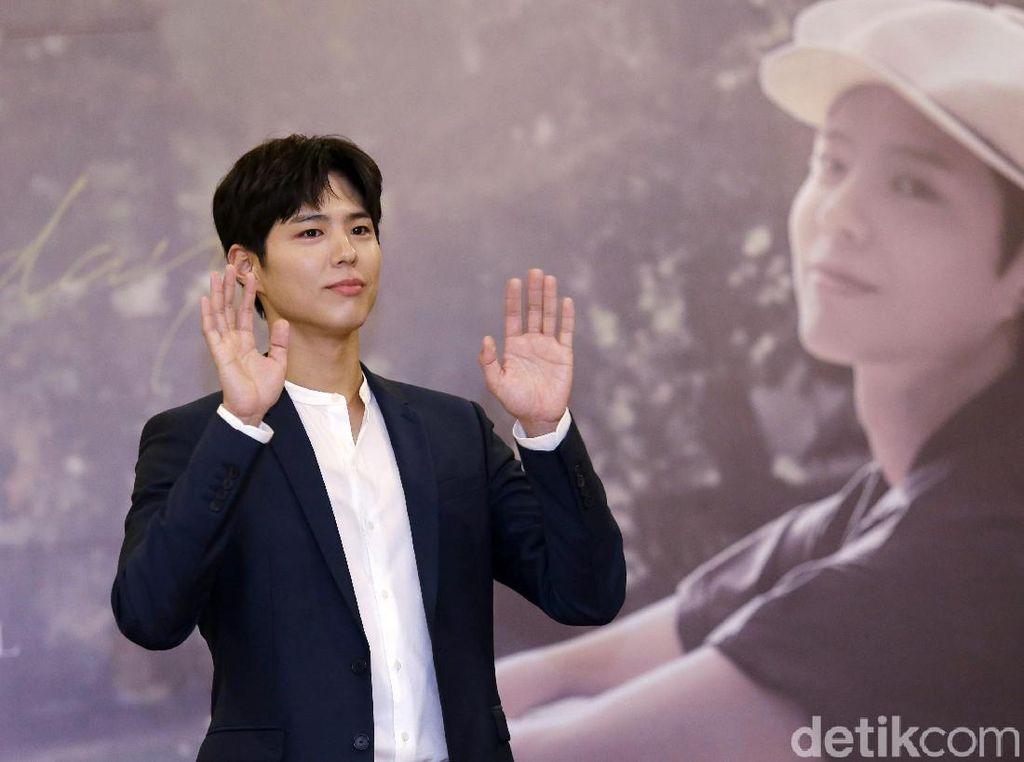 Surprise! Park Bo Gum Siapkan Hadiah Spesial Buat Penggemar