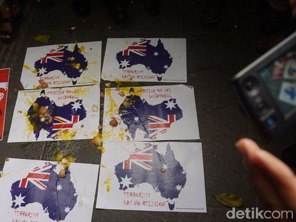 Aksi Ormas Islam di Konjen Australia Berakhir dengan Lemparan Telur
