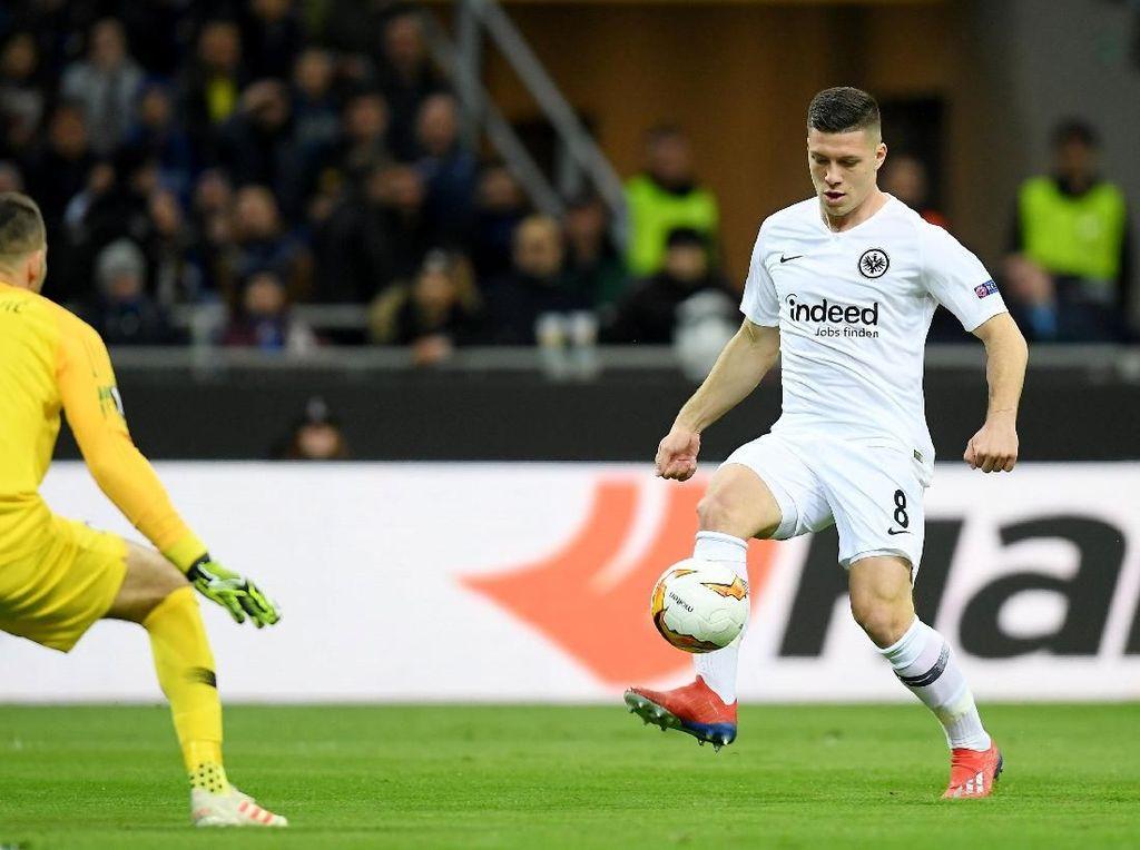 Frankfurt Belum Terima Tawaran untuk Luka Jovic