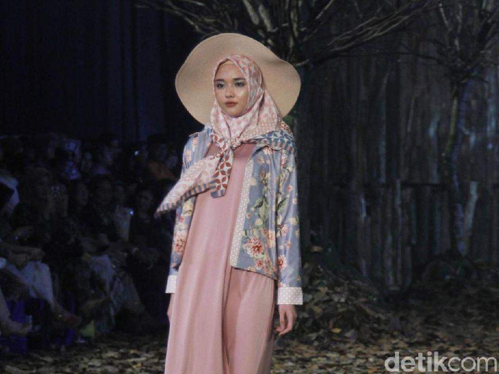 Foto: 10 Koleksi Baju Lebaran 2019 Karya Ivan Gunawan