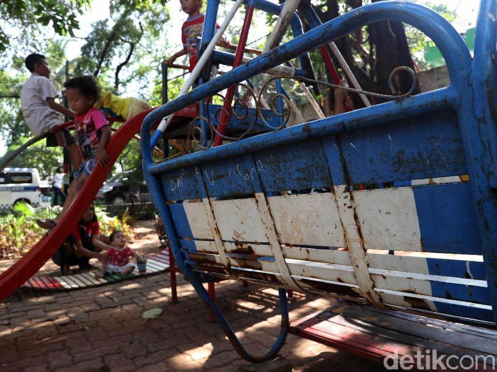 Tak Terawat, Taman Kebon Bawang Bisa Bahayakan Anak-anak