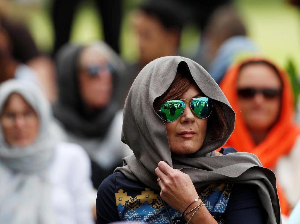 Solidaritas Korban Teror, Wanita New Zealand Ramai-ramai Berkerudung