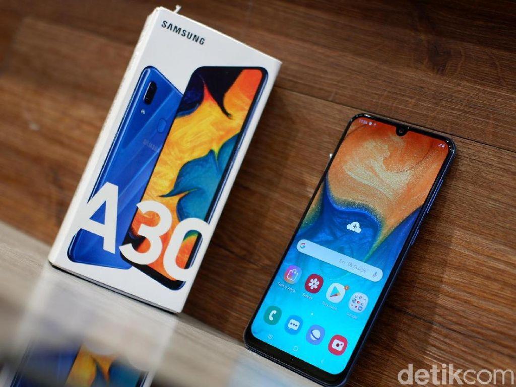 Unboxing Galaxy A30, Jagoan Baru Samsung di Harga Rp 3 Jutaan
