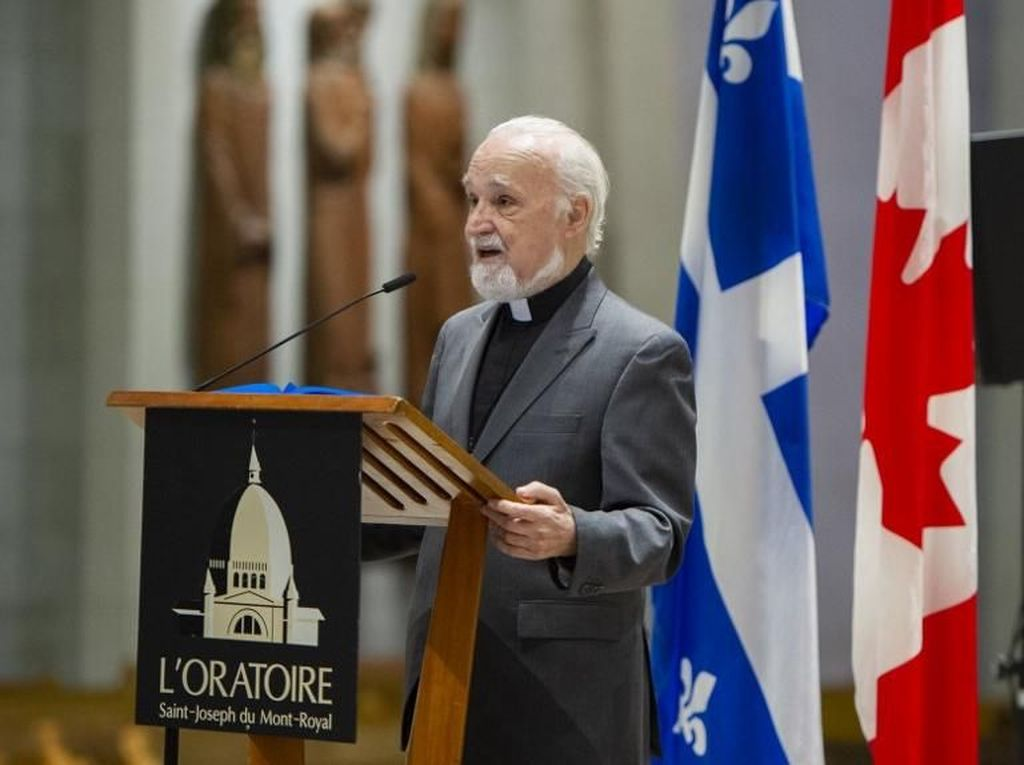 Pastor Kanada Ditikam Saat Siaran Langsung, Jemaat Berteriak