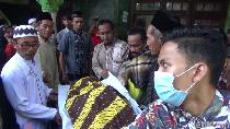 Tiba di Rumah Duka, 6 Korban Tewas Kecelakaan MPV Disambut Tangis
