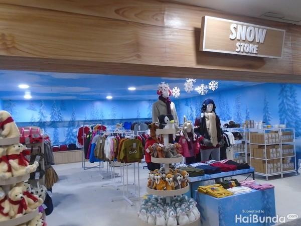 merchandise store trans snow world