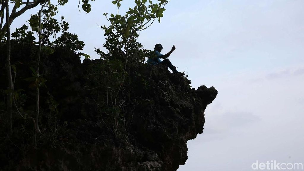 Setitik Keindahan Pantai Tanjung Mangga