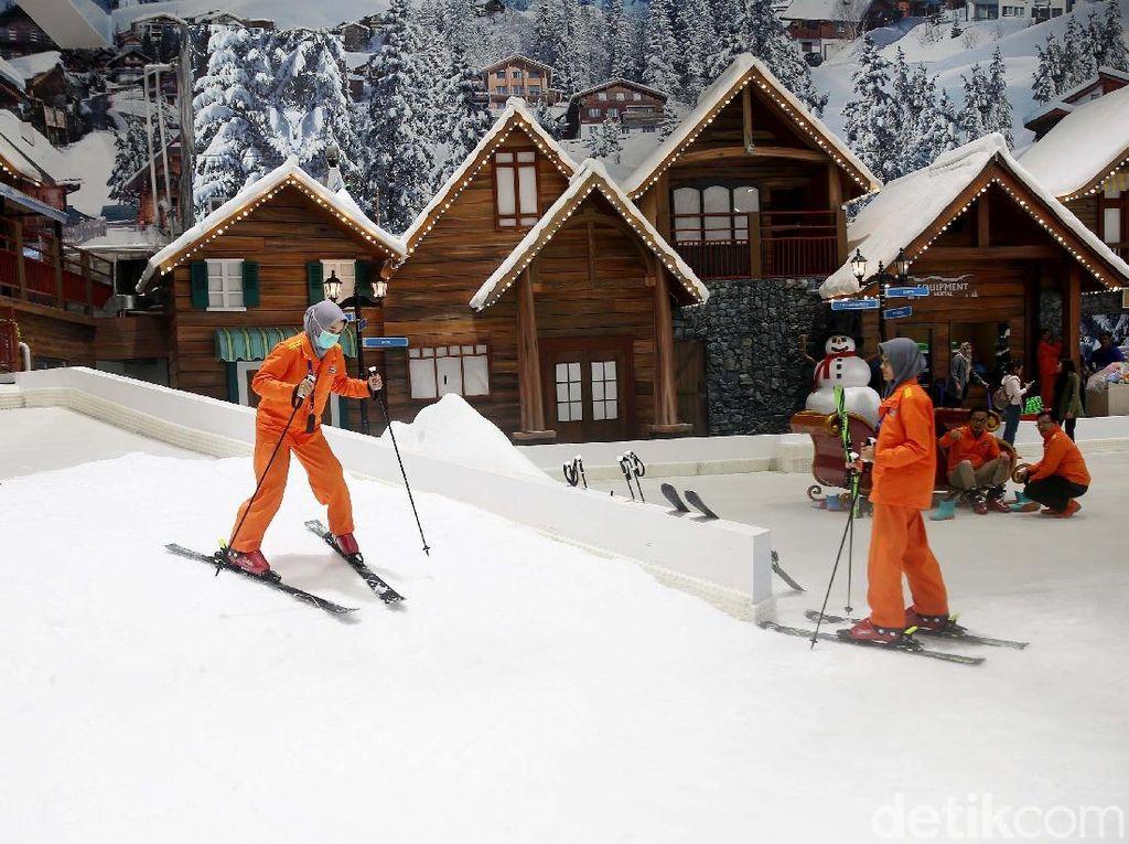 Long Weekend di Bekasi, Bisa Puas Main Ski!