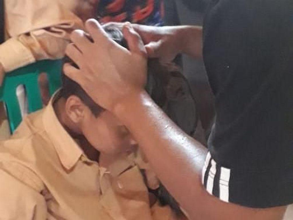 Atap Sekolah di Lombok Tengah Roboh, Guru dan Siswa Luka-luka
