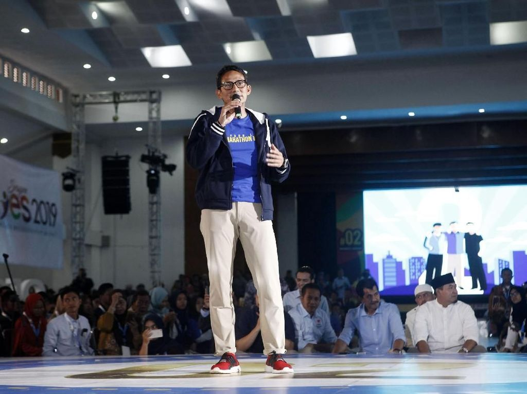Sandiaga, Atta Halilintar dan Zee Zee Shahab Berbagi Tips Sukses di Sragen YES 2019