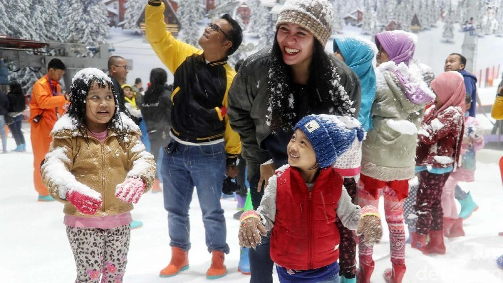 7 Alasan Kenapa Harus Datang ke Trans Snow World Bekasi