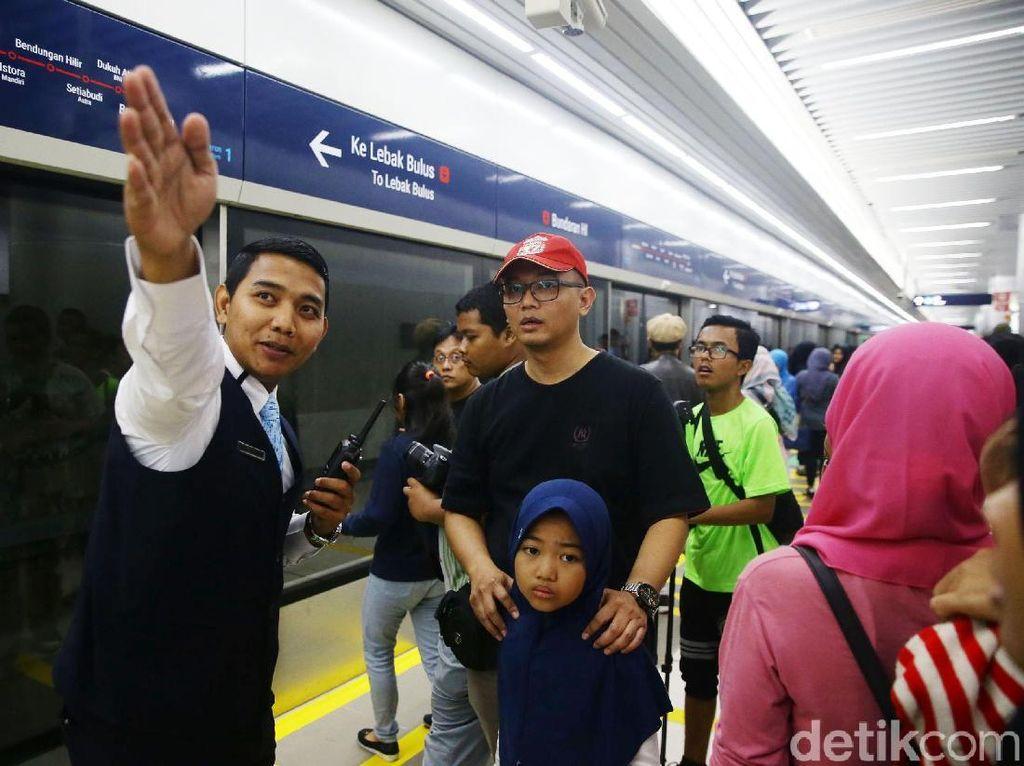 Pengguna iOS Ramai-ramai Cari MRT Jakarta di App Store