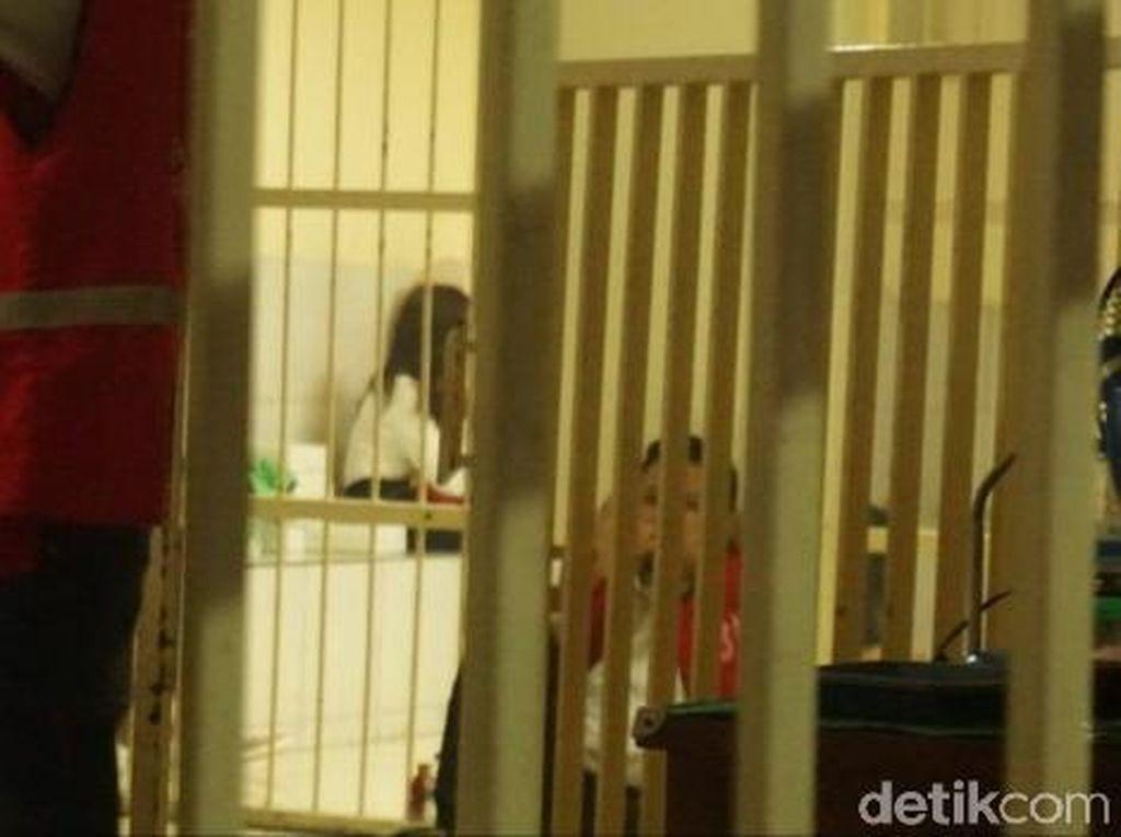 Dua Muncikari Vanessa Angel Jalani Sidang Perdana